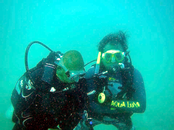 trang_underwaterwedding002